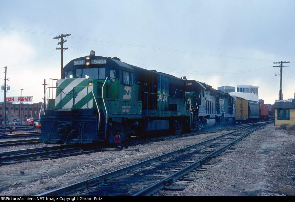 Transfer to D&RGW led by U25B #5404 + GP40 #3021 + SD24 #6250