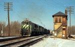 s/b BN train led by U25C #5604