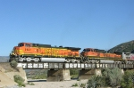 BNSF 5422 and 1047