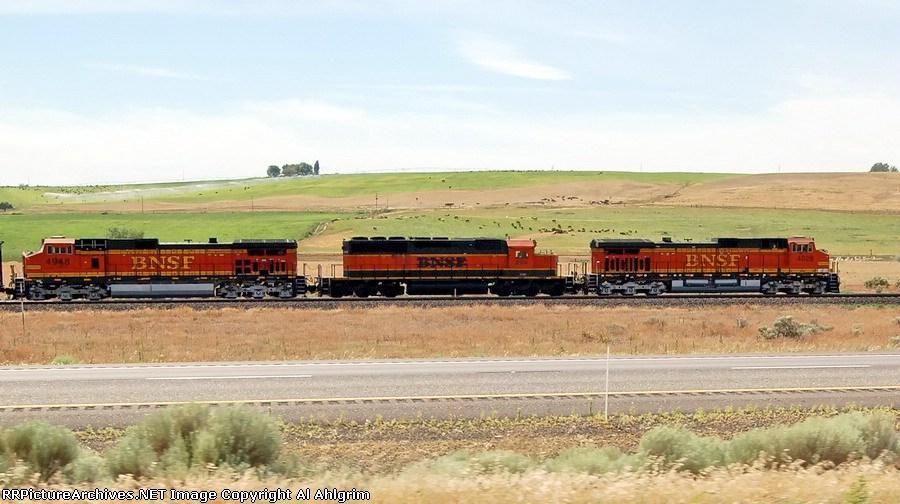 BNSF 4028, FURX 8104 & BNSF 4948