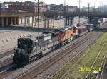 NS 8674 leads NS train 21k southbound