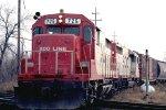w/b SOO Line train led by GP35s #725 + #726