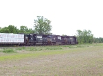 NS 37Q heads south out of Vardo yard