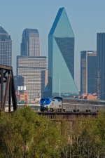 Westbound Texas Eagle leaves for Fort Worth
