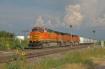 BNSF 4512 North approaches the yard