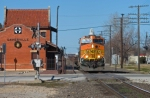 BNSF 5146 South passes the ex-ATSF passenger station