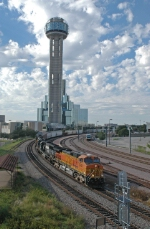 BNSF 5437 East at Union Station