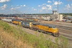 Power of UP 9394 West cuts off after manifest arrives at Centennial Yard