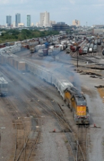 UPY 847 switches the receiving yard at Centennial Yard