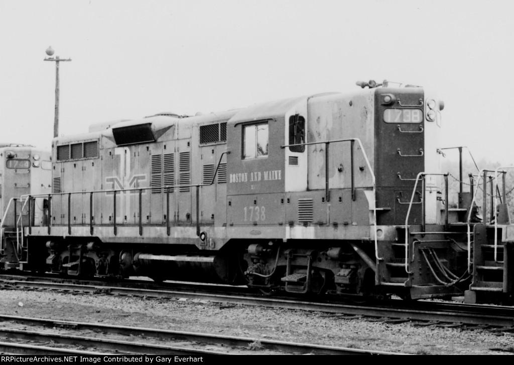 BM GP9 #1738 - Boston & Maine
