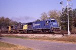CSX B36-7 leading a hot intermodal toward jax pig ramp