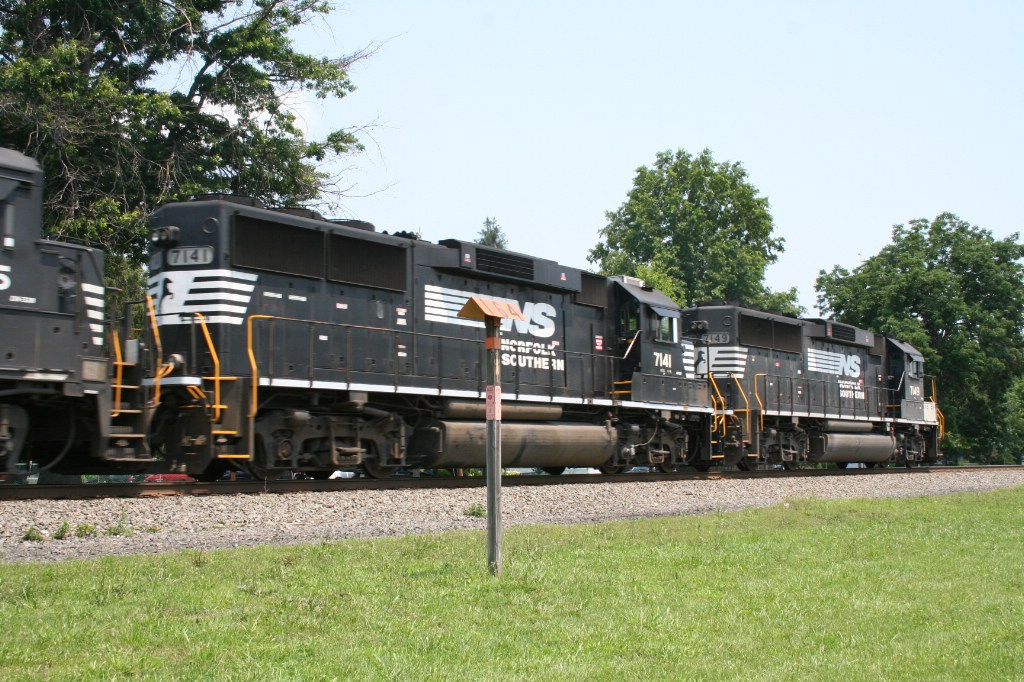 Trailing Engines On NS 212