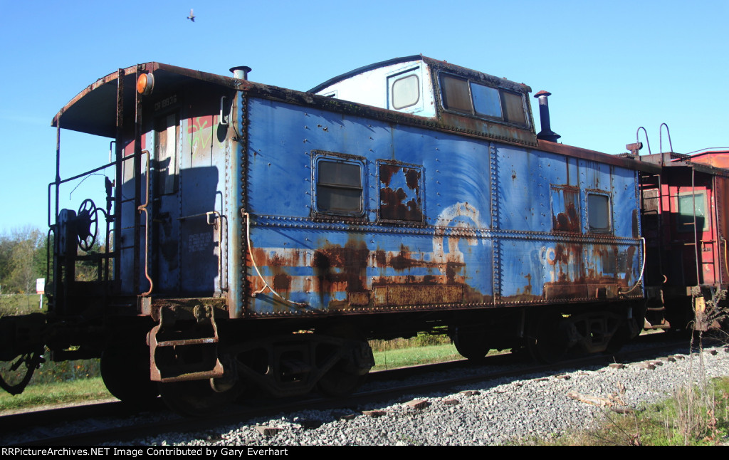 CR 18836 - Conrail Caboose