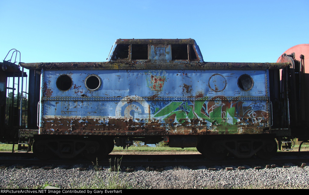 Conrail Caboose - unknown number