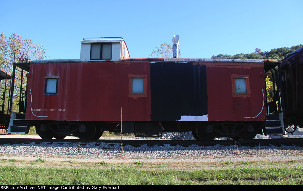 MP 13352 - Missouri Pacific Caboose