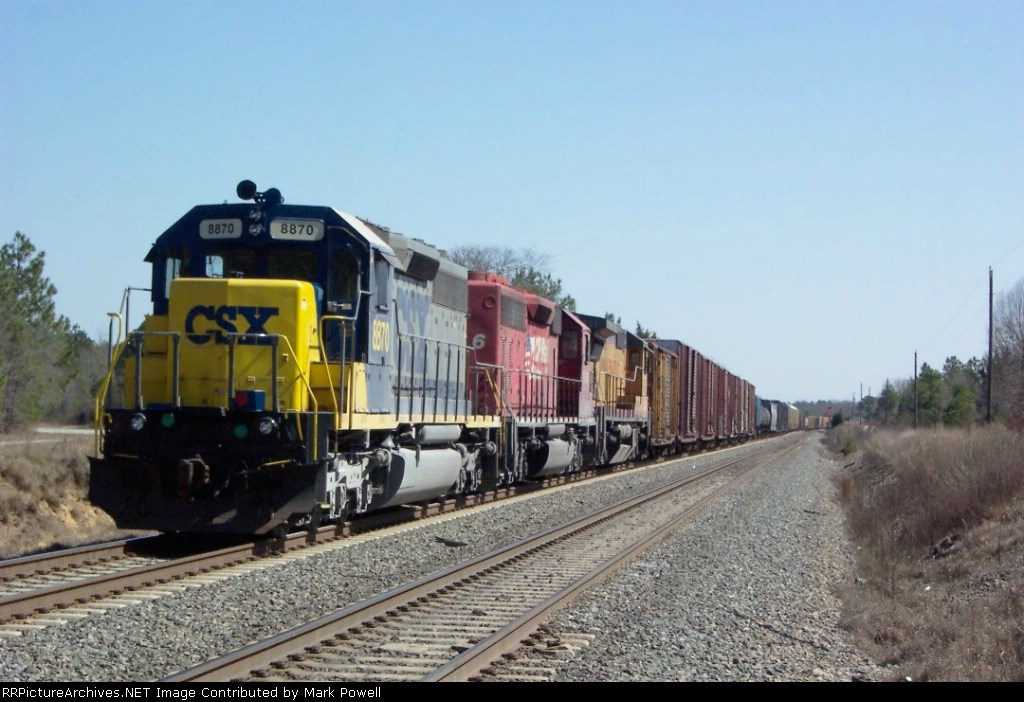 CSX 8870 heading north on the double track