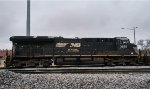 NS 3655 tied down in the CHW yard