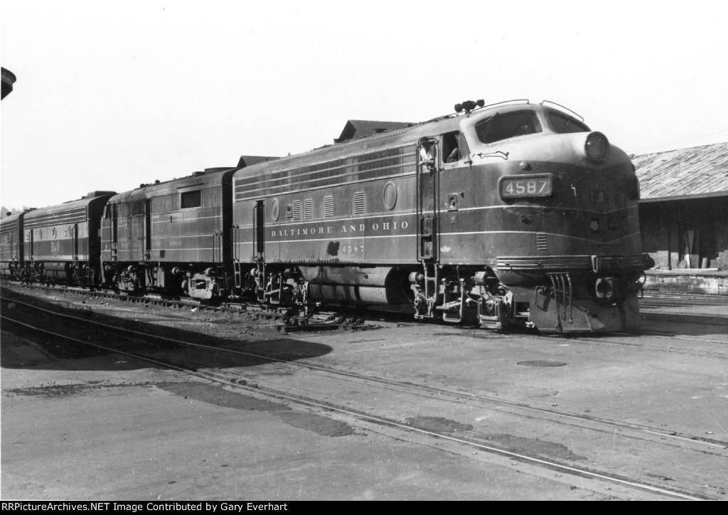 BO F7A #4587 - Baltimore & Ohio