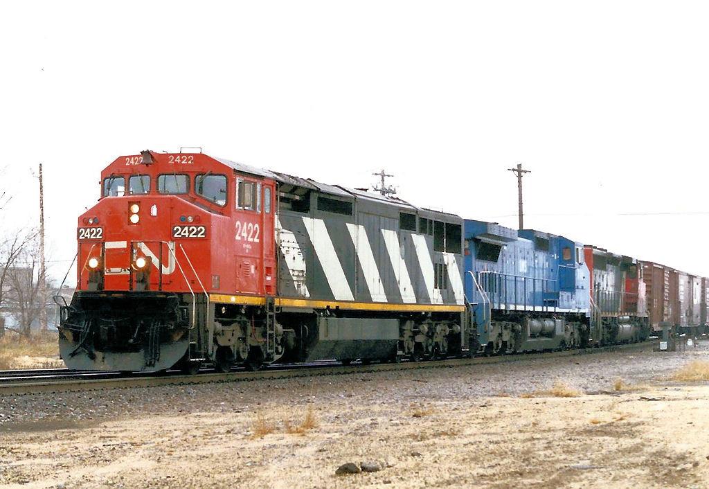 CN 2422