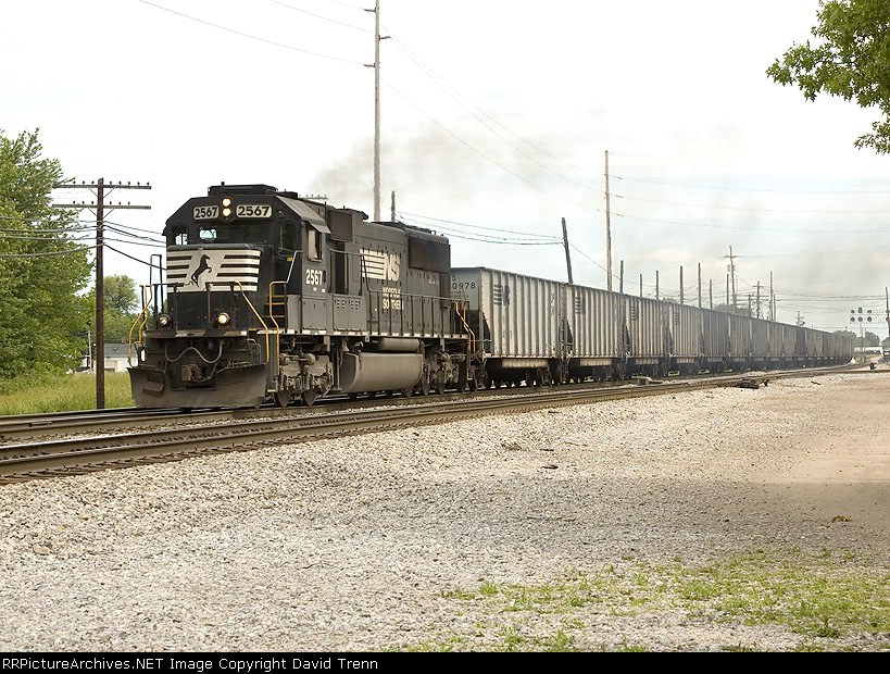 Southbound NS 2567