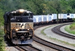 Westbound NS 2774 pulls an intermodal train up the grade