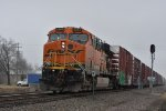 BNSF 5884 Dpu on a freight,
