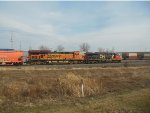 CN 2841 and BNSF 6117