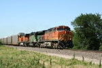 BNSF 4093 Leads this V train South on Father's Day 2006