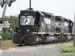 NS 3214 & NS 6073 (both SD40-2)