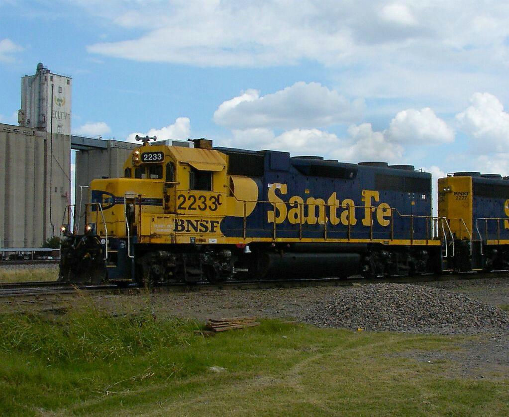 BNSF 2233