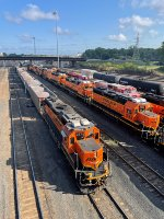 BNSF 2374 and the storage units