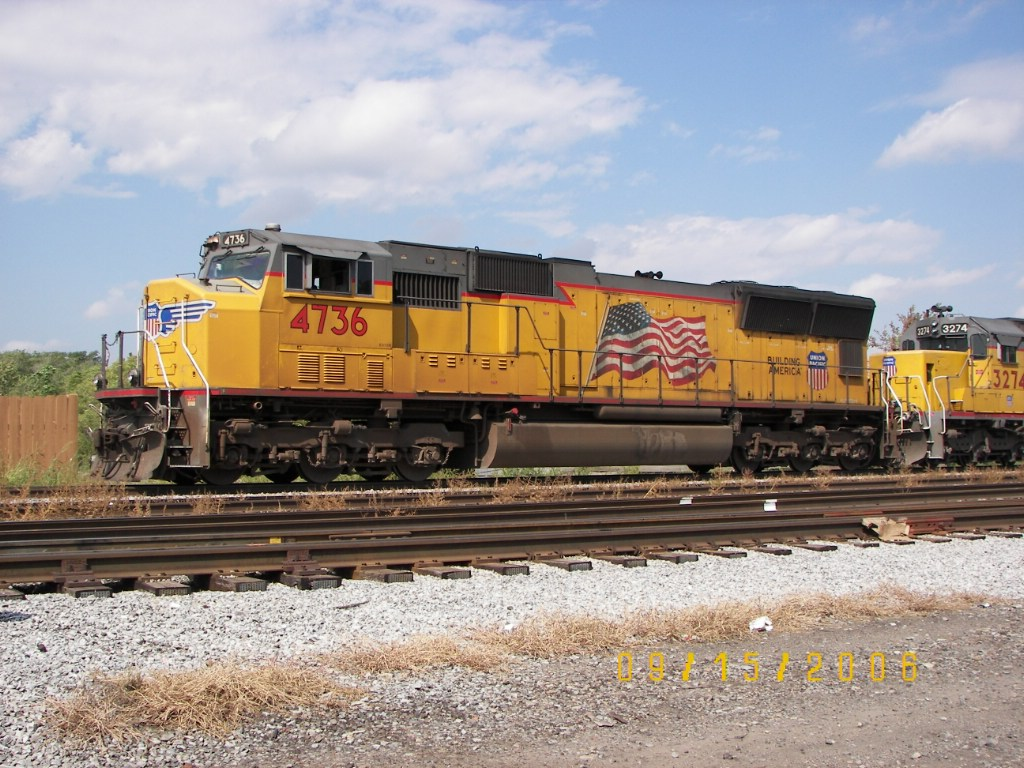 UP SD70M 4736