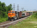 BNSF 6003 ES44AC leads NS 327 under Hwy 401 on the Talbot sub