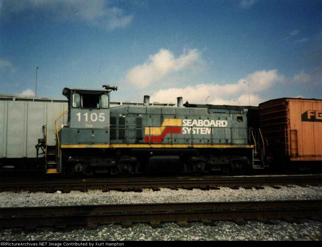 CSX 1105 Switches in Gentilly Yard