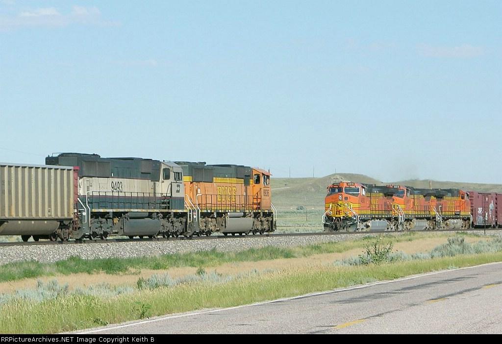 BNSF 8936 meets 4510