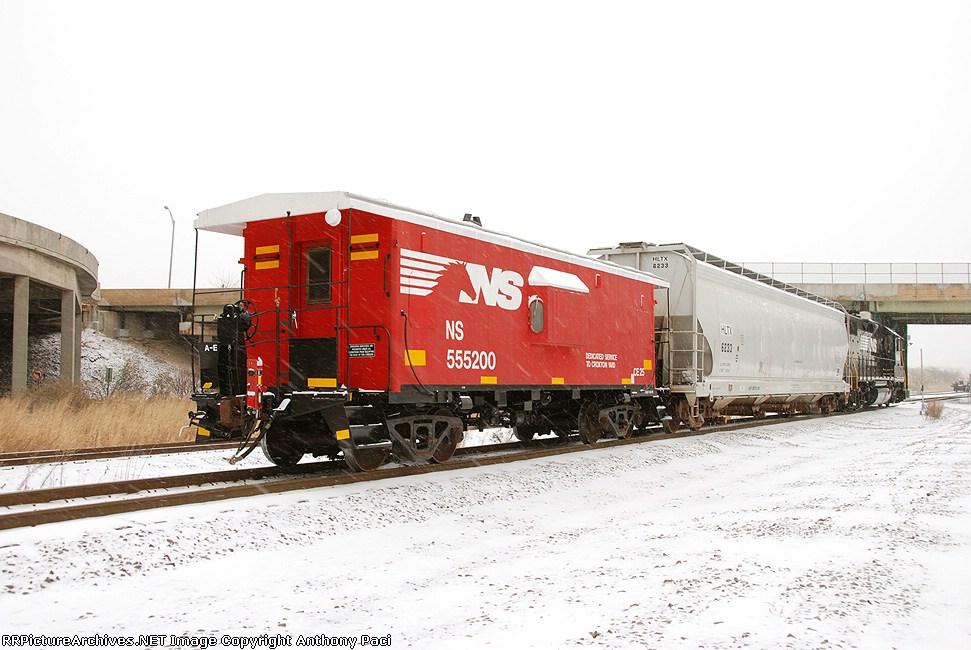 NS 555200