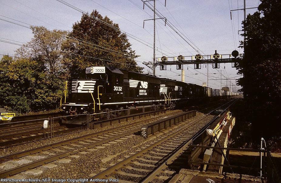 PRR 3032 on the NS 25A
