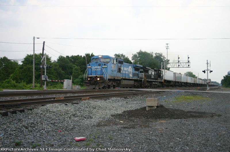 NS 8396 takes the mail to Chicago