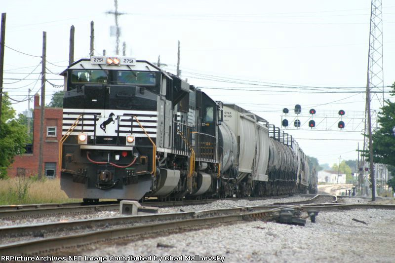 NS 2751 makes a mad dash for the NKP to Chicago