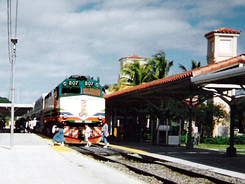 Tri-Rail F40PH #807