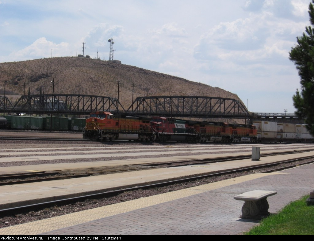 BNSF 5226
