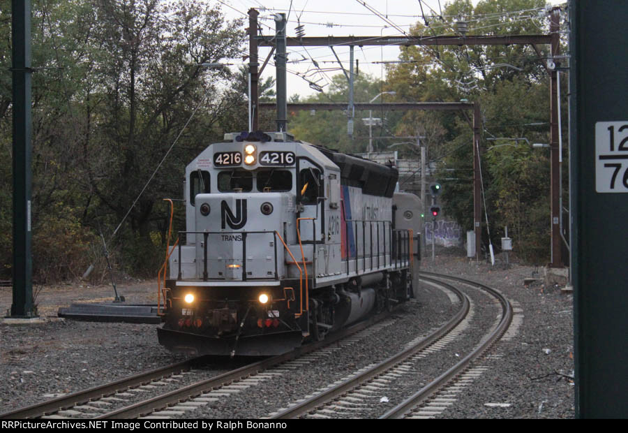 UntitledMontclair/Boonton Line train 1055 to Hackettstown has an old school leader