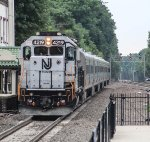 NJT 4219 brings another load of cattle into the station on a summer afternoon