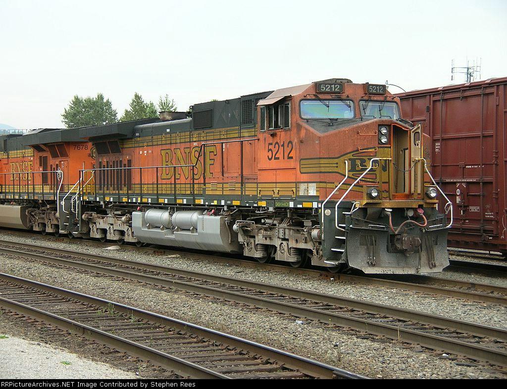 BNSF 5212