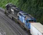ex-CR GP40-2 returns to Intermodal service