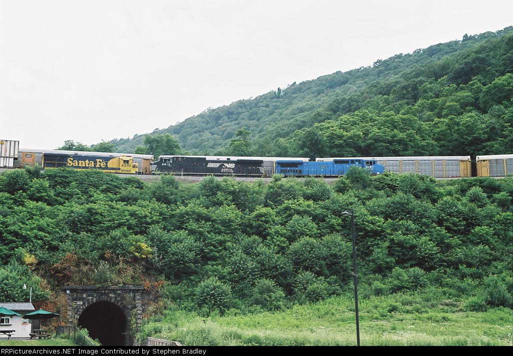 View from the parking lot (Horseshoe Curve)