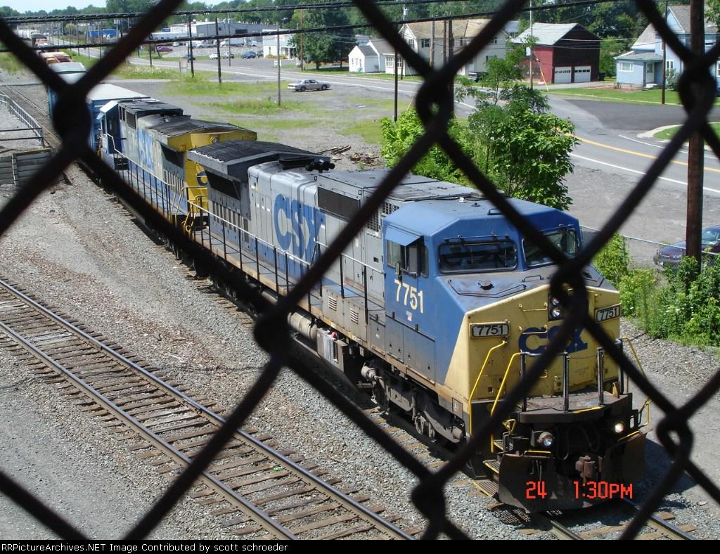 CSX 7751 & CSX 7553 coming out onto Track #4 EB