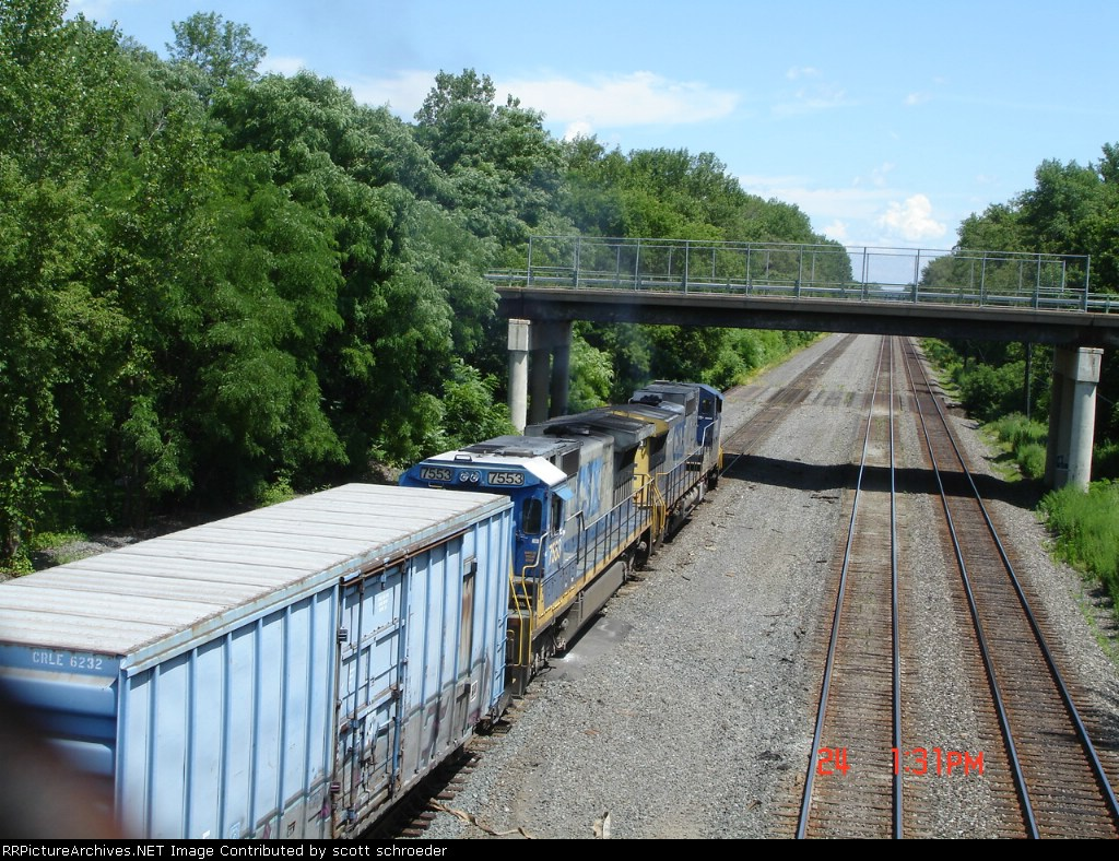 CSX 7751 & CSX 7553 head EB on Track #4