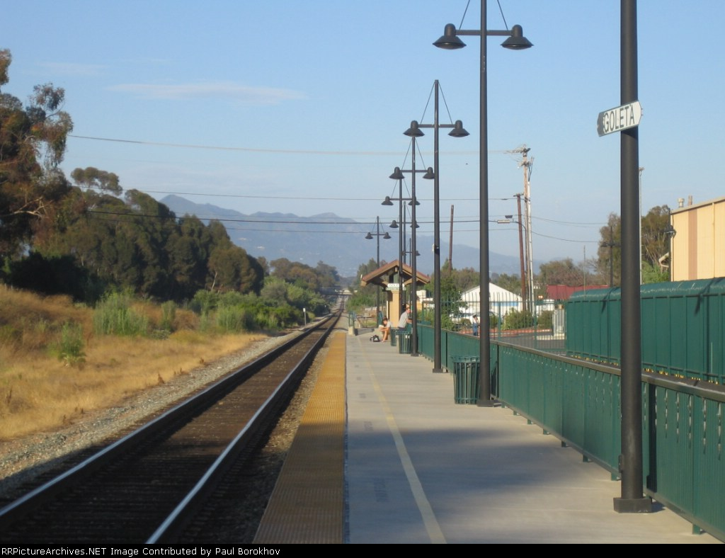 Goleta station platform