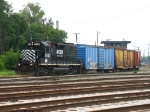 HESR 8802 leading the 740 job out of Saginaw Yard on its way to Genesse Yard